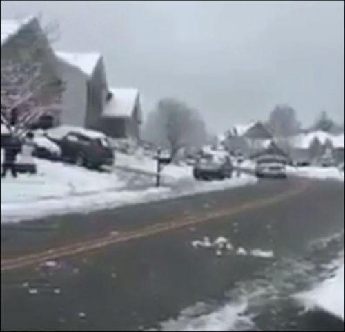 Нападение на полицейскую машину в Канаде