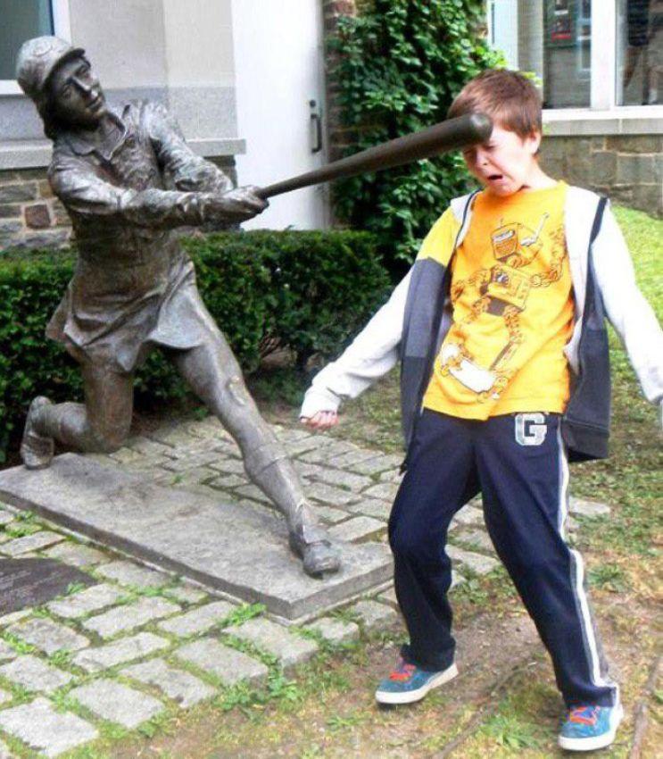 Кто-то должен остановить насилие статуй над людьми юмор