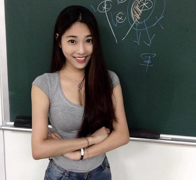 """Чэн Цзя-вэнь - """"самая горячая учительница"""" на Тайване Всячина"""