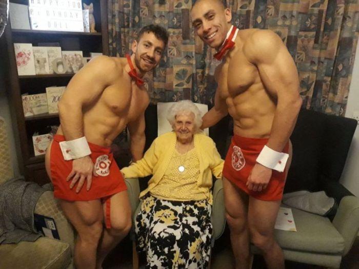 Бабуля не промах!