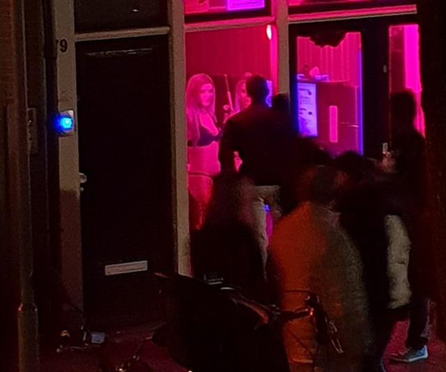 Мэр Амстердама собирается реформировать квартал Красных фонарей
