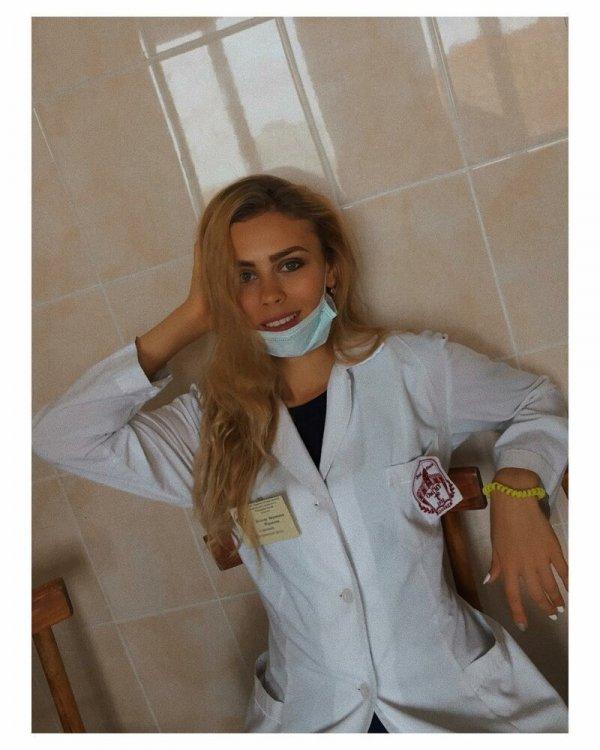 20+ милых медсестер, которые могут вылечить без лекарств