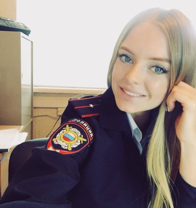 Русские девушки в форме
