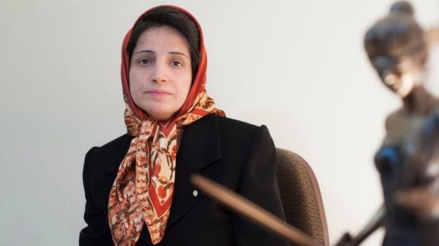 Иранскую правозащитницу Насрин Сотоуде приговорили к 33 годам тюрьмы и 148 ударам плетью