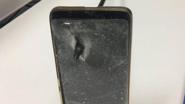 Смартфон спас австралийца от смерти Всячина