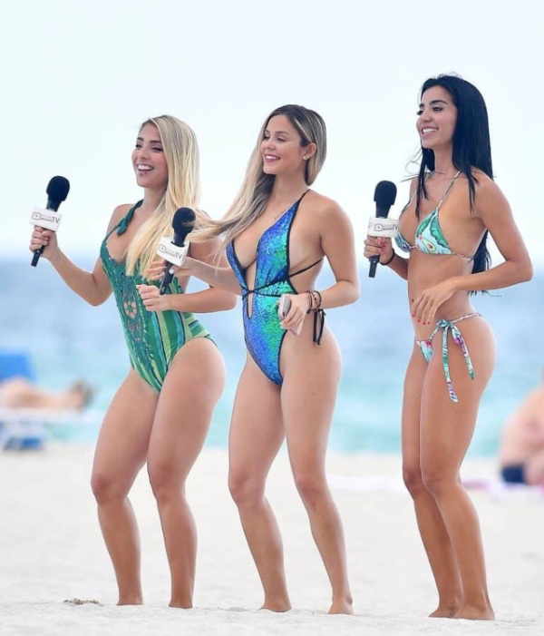 Очаровательные телеведущие на пляже в Майами-Бич Всячина