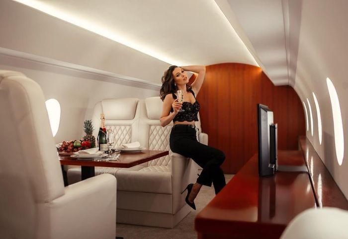 В Петербурге появилась копия интерьера частного самолета для фотосессий