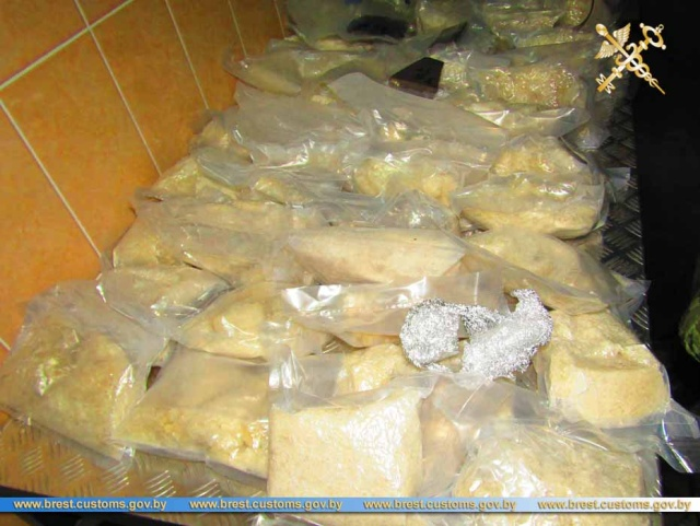 Гражданка РФ пыталась провезти в Белоруссию 100 килограммов наркотиков Всячина