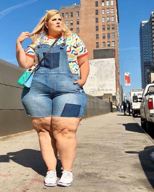 «Gillette» сделал своей моделью блоггершу, которая страдает ожирением 3-й степени