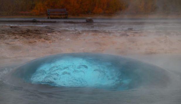 Удивительное зрелище: гейзер Строккюр в Исландии