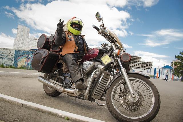 Пенсионерка из Челябинска создала свой мотоклуб, и она запросто уделает любого байкера