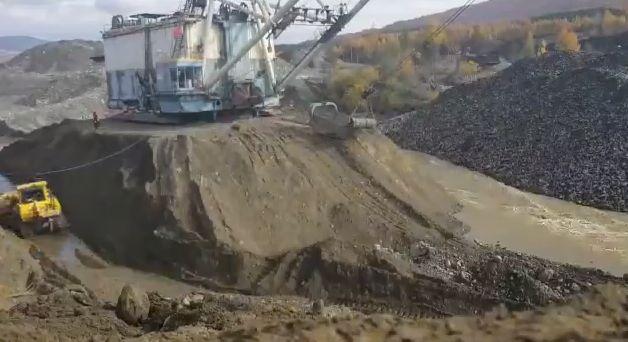 Спасение мощного 720-тонного экскаватора