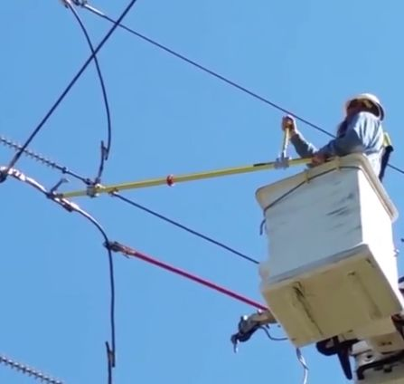 Перерезание провода высоковольтной ЛЭП