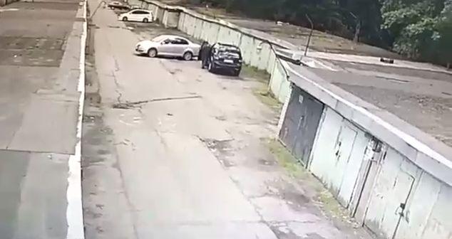 Перепутала не только педали, но еще и гаражи