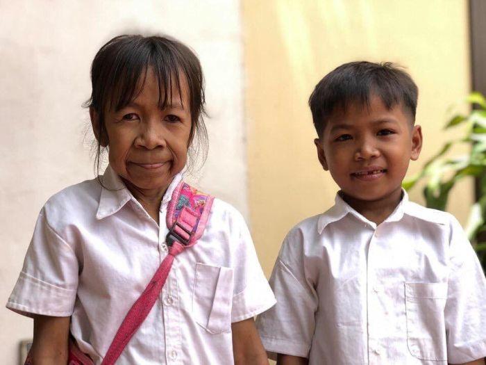 Бабушка-школьница из Камбоджи