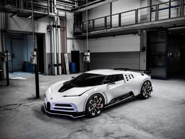 Bugatti представила гиперкар Centodieci за 597 миллионов рублей