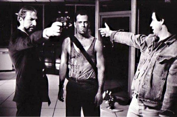 На съемках фильма «Крепкий орешек». 1988 Всячина