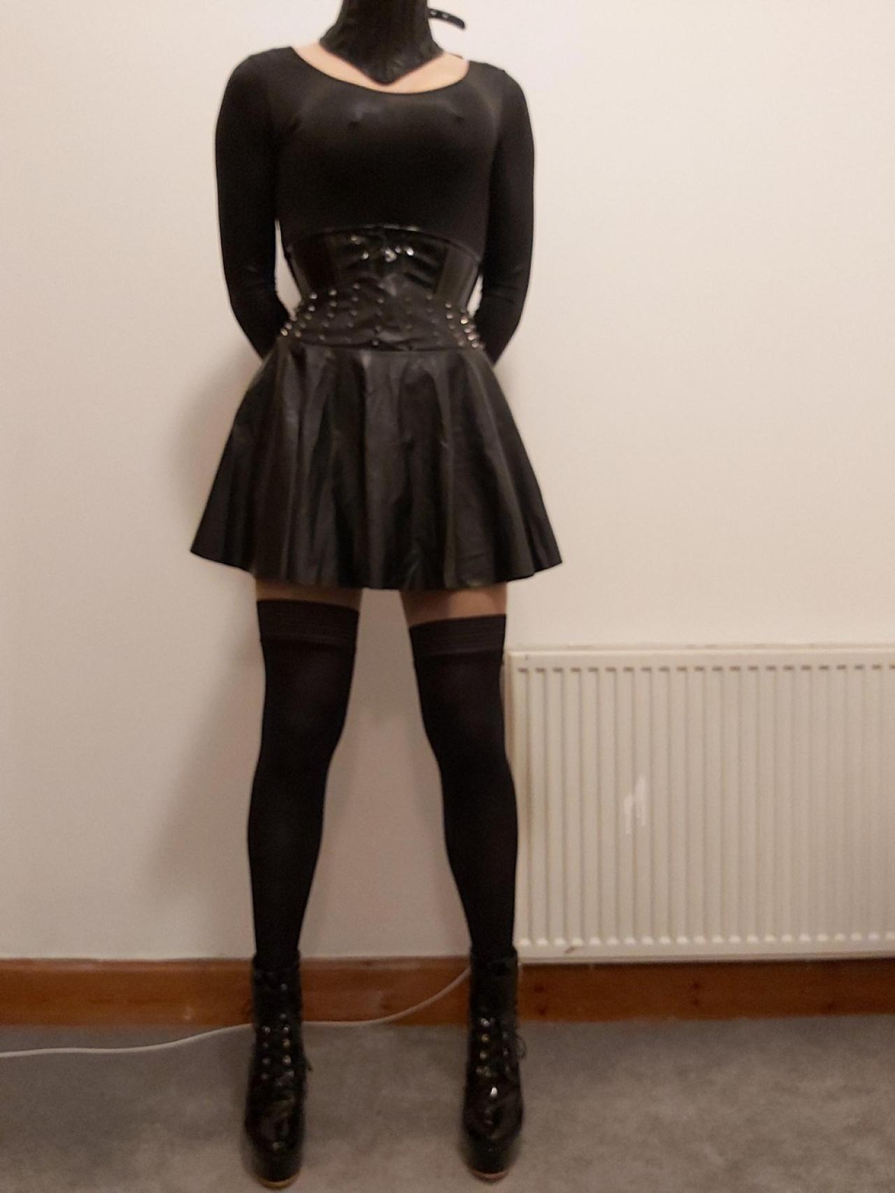 А вам нравятся девушки в корсетах? Всячина