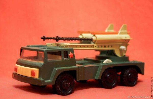 Счастливое детство с железными игрушками Всячина