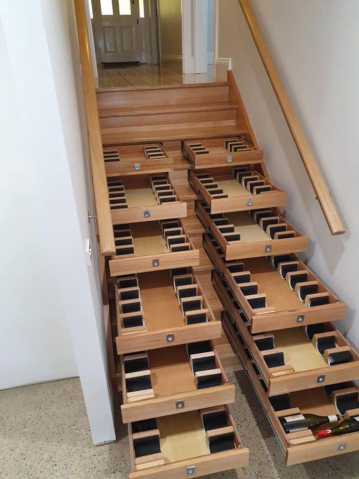 Винный погреб из лестницы Всячина