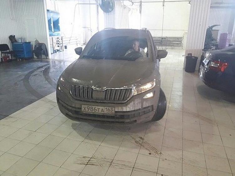 Клиент вернул самарскому автодилеру тестовый автомобиль после заезда в грязевых ваннах Всячина
