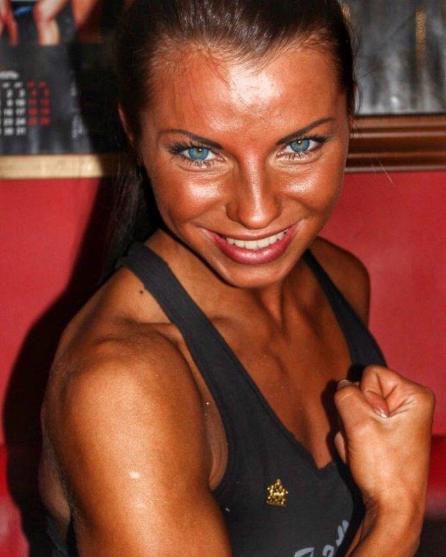 Порноактриса на пенсии: Валентина Азарова (Megan Vale, Zoey, Francheska) стала чемпионкой Европы по джиу-джитсу Валентина, затем, канале, Первом, джиуджитсу, Европы, чемпионкой, стала, поступал, Русский, первый, пройти, смогла, успехов, слухам, ниндзя, пришла, хотелось, спорт, пошла