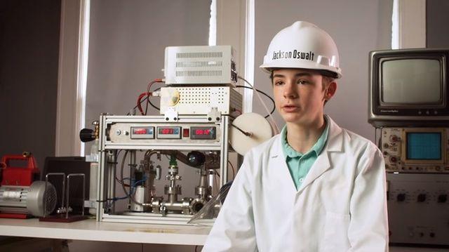 Маленький гений: 12-летний американец Джексон Освальт собрал дома действующий ядерный реактор и попал в Книгу рекордов Гиннесса Всячина