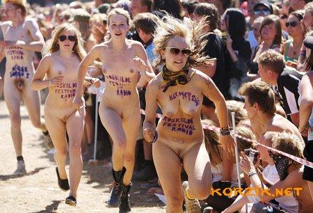 Naked danish women